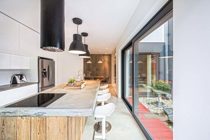 Surowa i estetyczna kuchnia - Bezpieczny, surowy i przytulny – Fence House