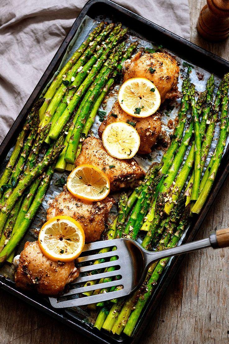 Garlic Butter Chicken And Asparagus €� Garlic Lovers Will Love This Garlic  Butter Chicken Baked With