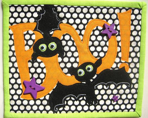 the first of a few halloween mug rugs i have planned this one proves you dont need halloween fabric to make a halloween mug rug - Halloween Rugs