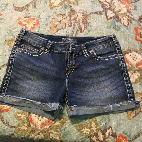 """Silver Shorts These Silver """"Mckenzie Shorts"""" are adorable with a 3.5"""" inseam and sewn cuffs and little side slits. Silver Jeans Shorts Jean Shorts"""