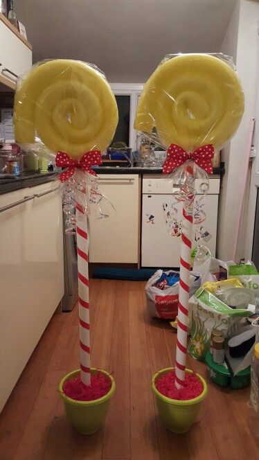 Tilly-May s Willy Wonka lollipop decorations/props