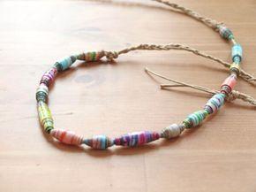 Kennt ihr noch von früher selbstgebastelte Papierperlen? Auf meinem Blog gibt es heute eine schöne Anleitung für ein DIY Haarband aus Papierperlen.  http://www.frau-liebling.de