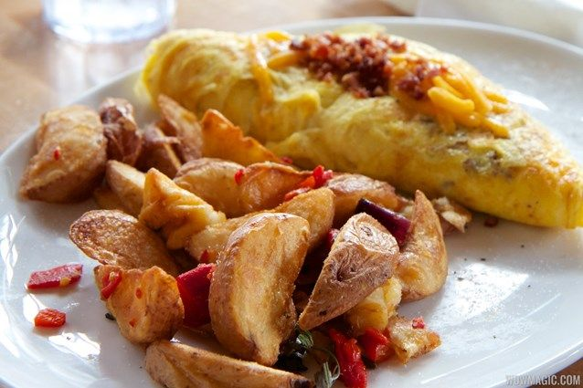 Wolfgang Puck® Express Sausage, Bacon & Cheddar Omelet