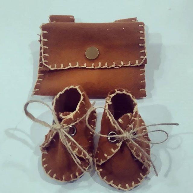 #dolls #dollshoes #dollfashion #shoes #boots #instagood #instalike #webgram #artdoll #clothdoll #fashion #sewingproject #sewingmachine #sewing #handmade #backbag #dollsofinstagram #dollbag #bagandshoes