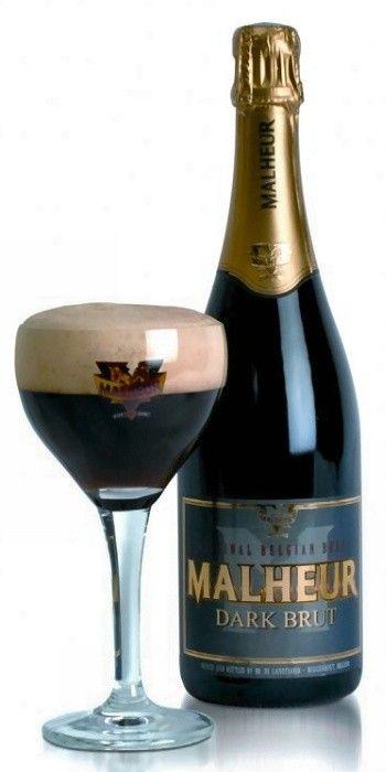 Cerveja Malheur Dark Brut, estilo Bière de Champagne / Bière Brut, produzida por De Landtsheer, Bélgica. 12% ABV de álcool.