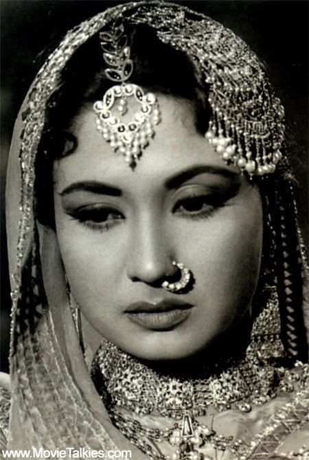 Meena Kumari-her eyes revealed more in a glance than actresses can say in a whole movie