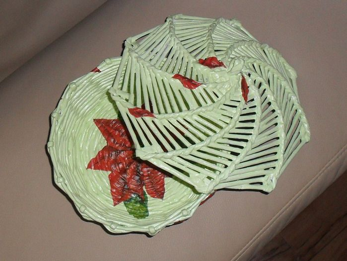 (699x525, 123Kb): Wicker Paper, Paper, Из Бумажных, Newspaper Craft, Бледно Салатовый Цвет, Rp32622 Large, From Newspapers, Дно Оформлено, Weaving
