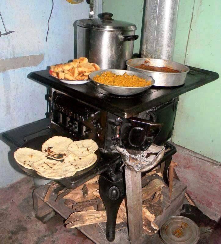 M s de 25 ideas incre bles sobre estufas antiguas de for Cocinas economicas de lena antiguas