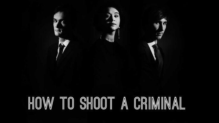 Test de How to shoot a criminal, un jeu d'enquête indépendant intéressant. Il faut trouver des éléments à charge contre un rédacteur.