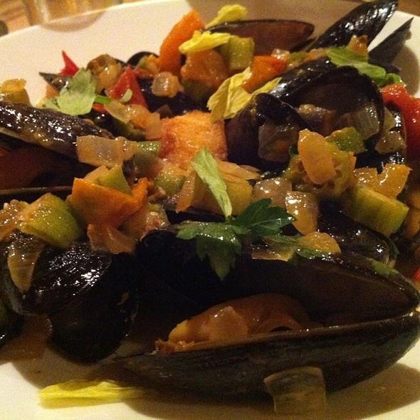Blue Ridge Dining Room: 86 Best Roanoke Va. Eats Images On Pinterest