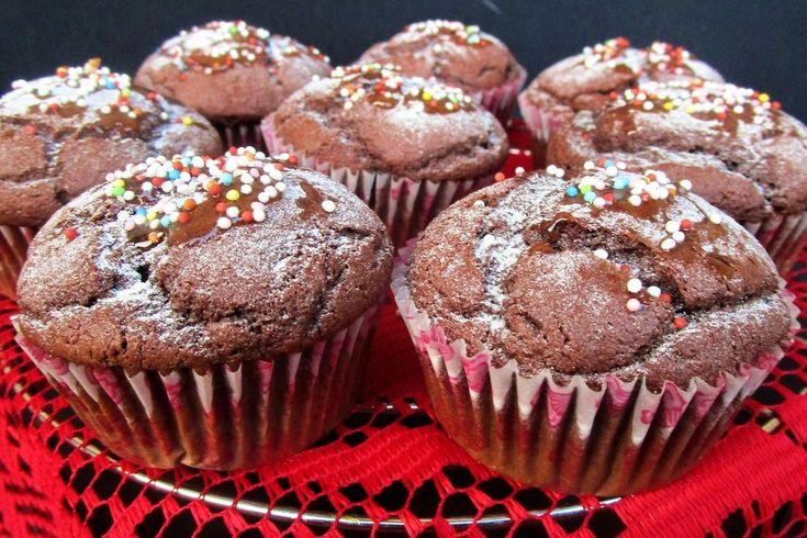 I muffin con farina di mandorle e cacao sono dei dolcetti soffici e molto profumati. Ecco la ricetta ed alcuni consigli utili