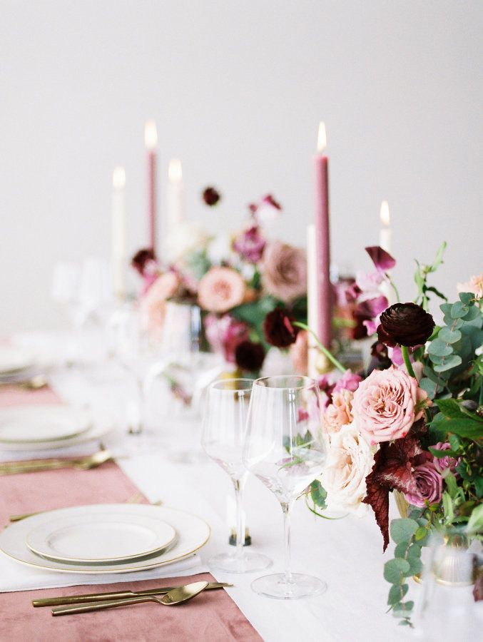 Mauve table inspiration: Photography: Jamie Rae - http://jamieraephoto.com/