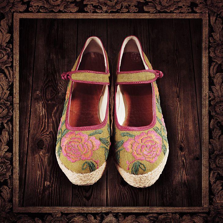 Туфли на танкетке с рисунком, 16900874014 купить за 4140 руб. с доставкой по России, Украине, Беларуси и миру | Обувь | Artka: интернет-магазин обуви и одежды Artka