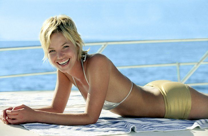 Pin for Later: The Ultimate Bikini Movie Gallery Ashley Scott, Into the Blue