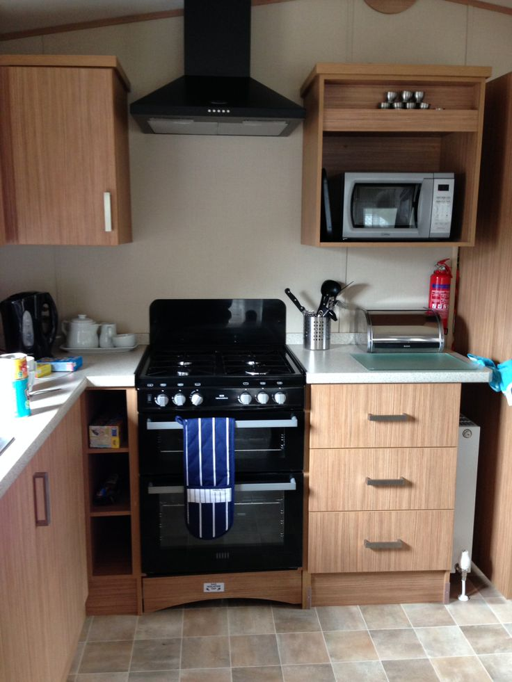 Superb modern kitchen inside the Ashmore plus D28.@Parkdean Page Page Sandford Holiday park #britishholiday #homeoraway