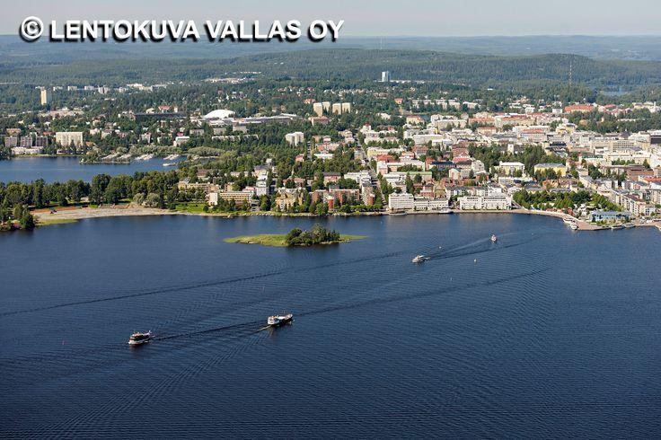 Laivaliikennettä Kuopio edustalla kesällä Ilmakuva: Lentokuva Vallas Oy