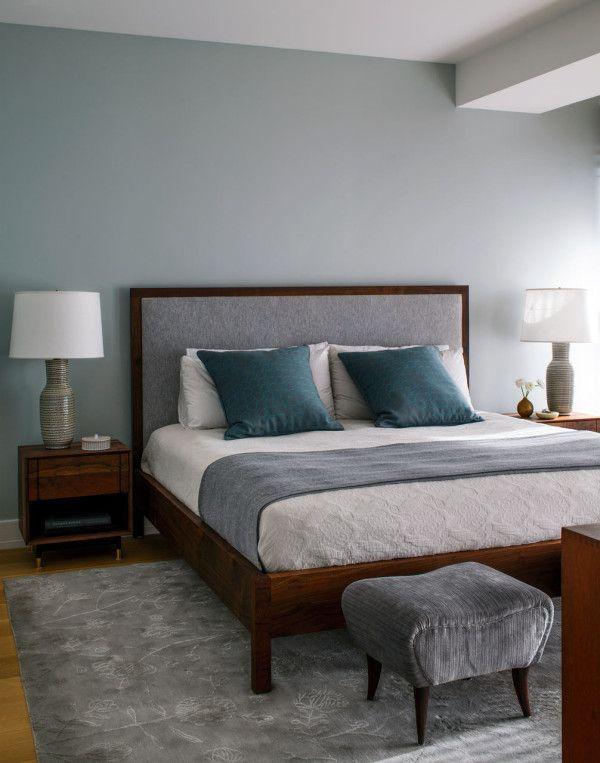 Un appartement à la déco neutre avec des touches de couleurs
