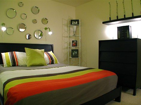Bedroom Decorating Ideas for Small Rooms...this gren doesnt luk too bright bt yet luks nice