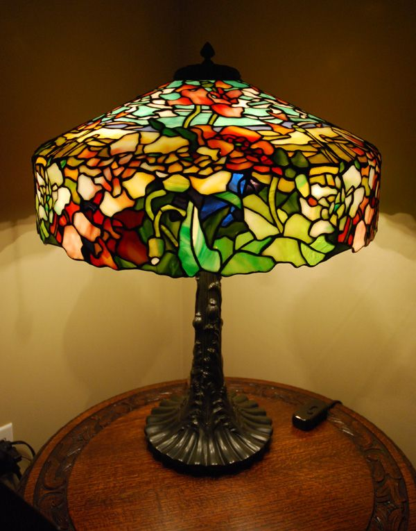 A reference source for antique stained glass leaded lamps original examples of the best lamps from the best lamp makers including tiffany studios