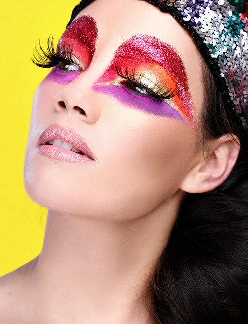 Make-up inspiration: BUY THE LOOK Emeral Beautylife Cosmetics www.extreme-beautylife.nl