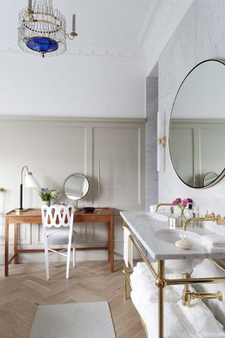Floorboards and dressing table Bathroom | Ett Hem Hotel, Stockholm, designed by Ilse Crawford