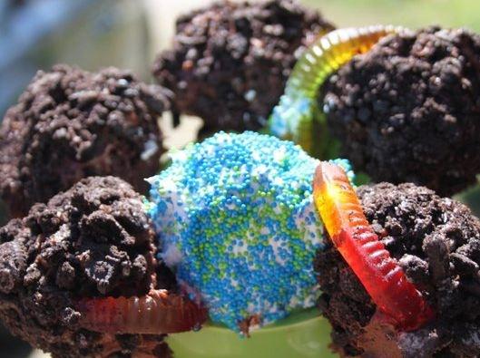 Too Cute: Earth Worm Cake Balls - foodista.com