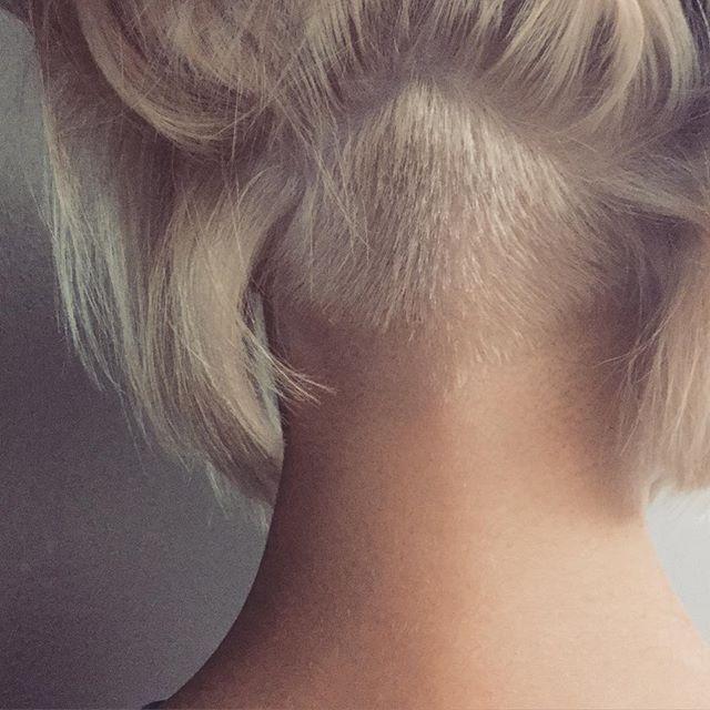 #undercut #bob #hairstylist #hairdresser #bleach #elumen