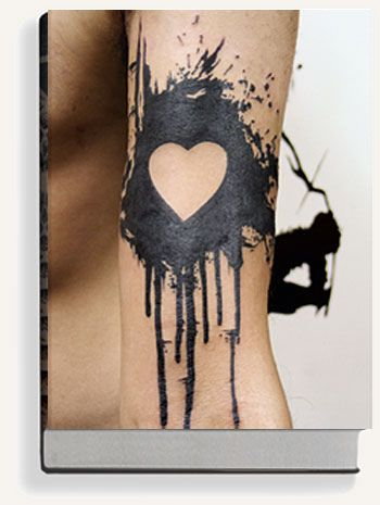 Negative space tattoo. I absolutely love this. I love paint splatters. Credited