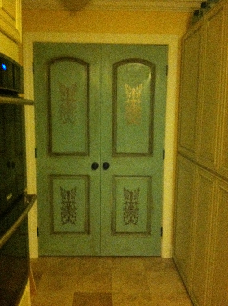 My pantry door painted with ascp annie sloan chalk paint for Chalk paint door