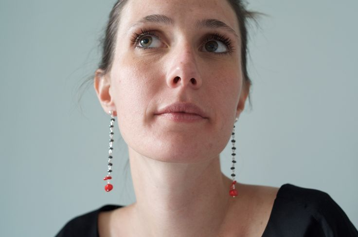 Tilda e l'ortica - Hema - Pendant earrings with Hematite and red corals stones