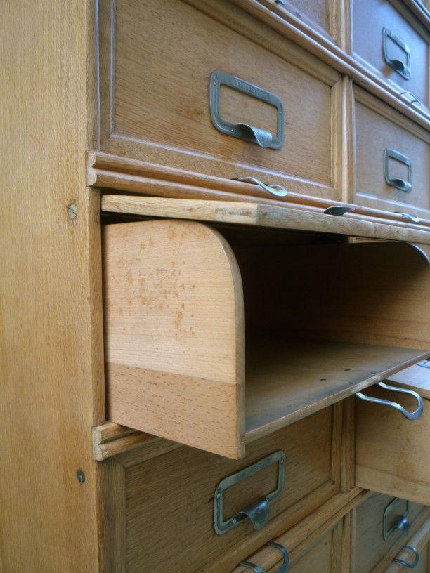 1000 id es sur le th me meuble classeur sur pinterest buffet industriel vestiaire industriel. Black Bedroom Furniture Sets. Home Design Ideas