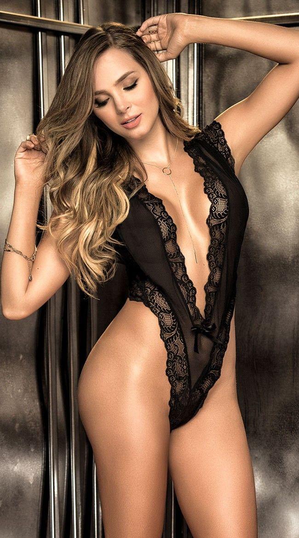sexy-latin-beauties-christina-aguilera-low-nude