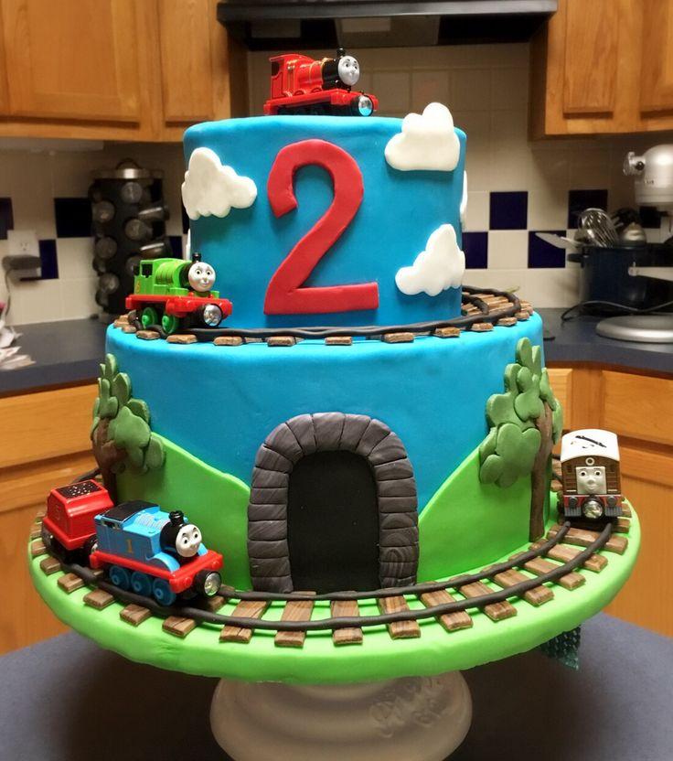 Birthday Cake Train Images : uber 1.000 Ideen zu ?Thomas Train Cakes auf Pinterest Thomas