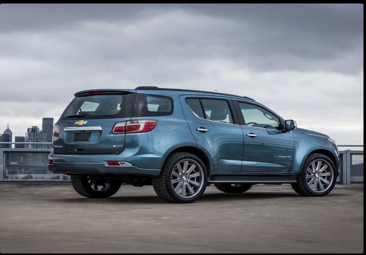 The 2018 Chevy Trailblazeroffers outstanding style and technology both inside and out. See interior & exterior photos. 2018 Chevy TrailblazerNew features complemented by a lower starting price and streamlined packages.The mid-size 2018 Chevy Trailblazeroffers a complete lineup with a wide variety of finishes and features, two conventional engines.
