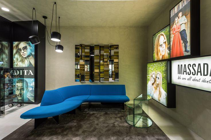 XYZ Arquitectos Associados - Óptica Médica Rogério - Matosinhos - Portugal - interior design - optical store - Aim pendant light Flos - Serpentine sofa Moroso