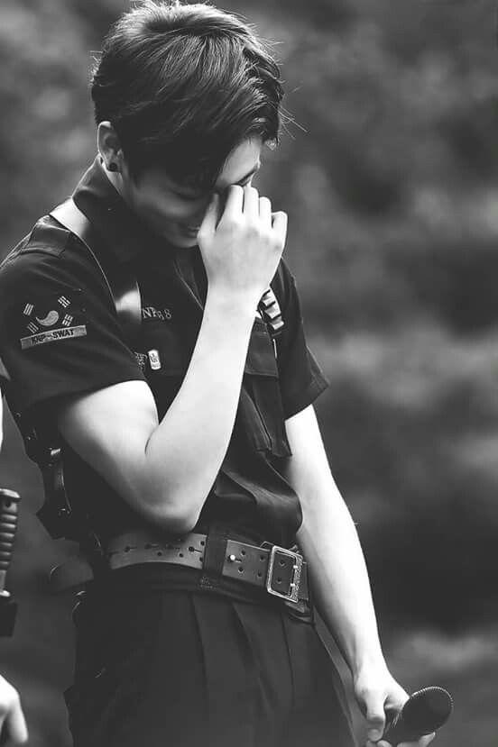 Vem ser meu policial e me deixa ser sua prisão kkkkk