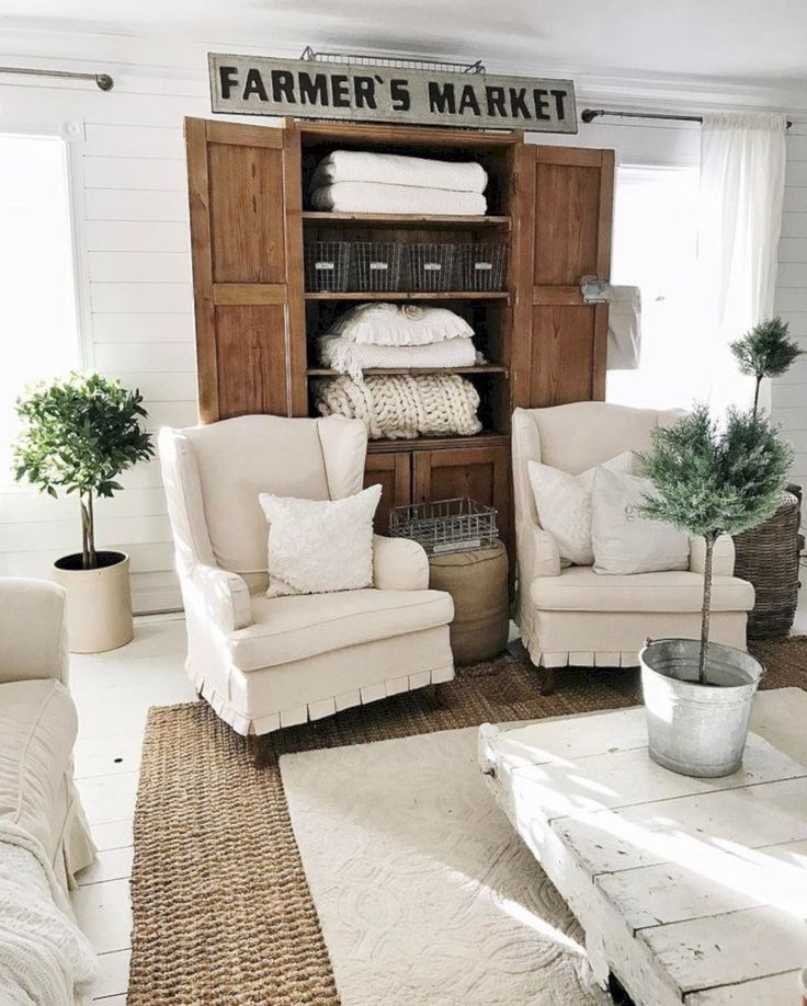 Best 46 Amazing Small Living Rooms Ideas With Farmhouse Style 400 x 300