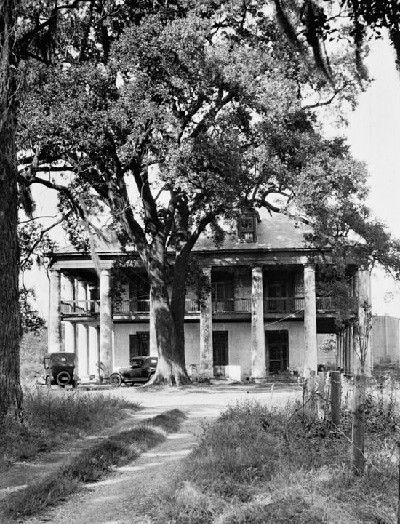 Seven Oaks Plantation, Jefferson Parish, Louisiana. This photo was taken in 1923. The historic mansion was the home of descendants of one of New Orleans' first settlers,Michel Seringue, who was the contractor who built the first St. Louis Church and the first Ursuline Convent, both in the 1720's.