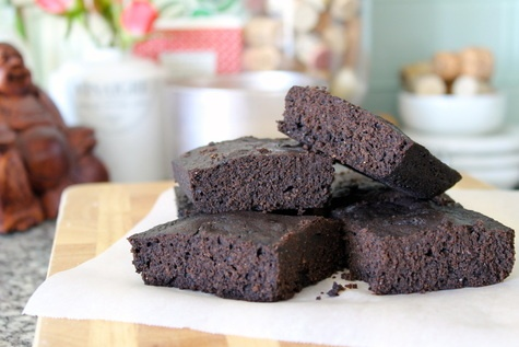 Dark chocolate whole wheat brownies made with coconut oil!