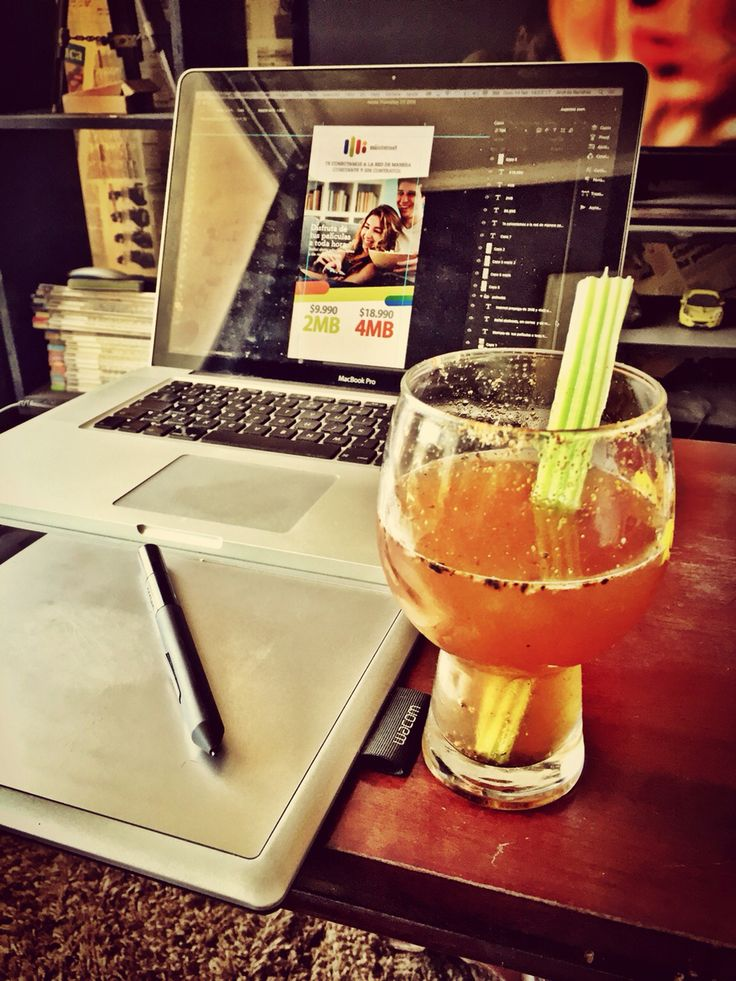 Lo mejor para una tarde de trabajo! Extra Tequila y apio! Perfect...