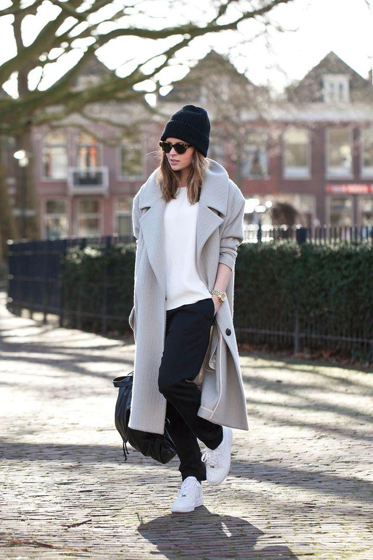 Длинное женское серое пальто – фото новинка сезона
