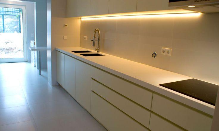 Encontre as melhores ideias e inspirações para casa. Projeto de Reabilitação_ Moradia Restelo, Lisboa por mube arquitectura | homify
