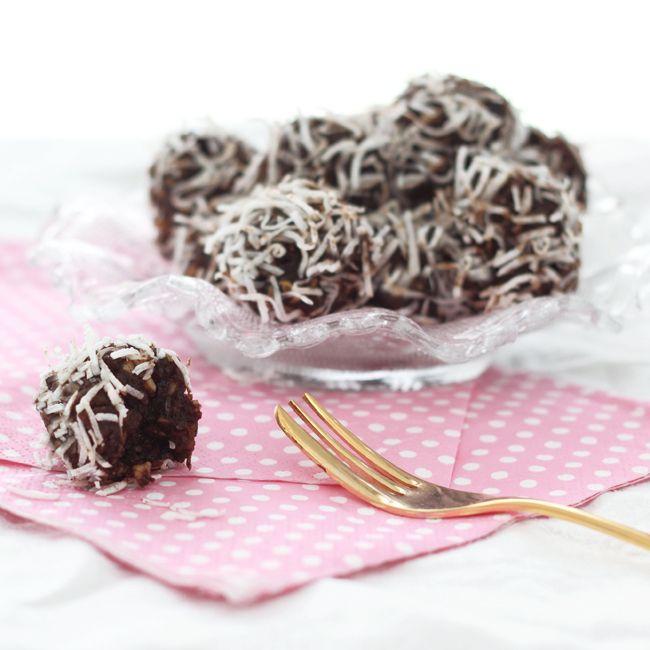 The Kiwi Cook   Carob, Fruit & Nut Balls