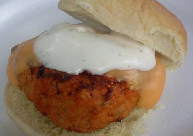 Grilled Buffalo Chicken Sliders Recipe -  Yummy this dish is very delicous. Let's make Grilled Buffalo Chicken Sliders in your home!
