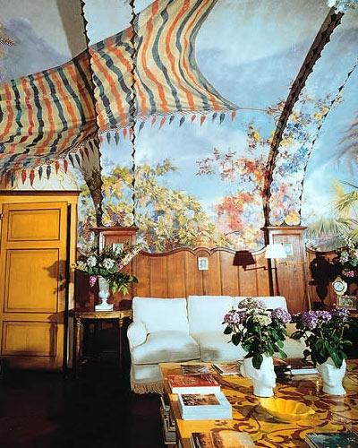 Villa Di Corsano in Tuscany, Italy. Beautiful trompe l'oeil walls.
