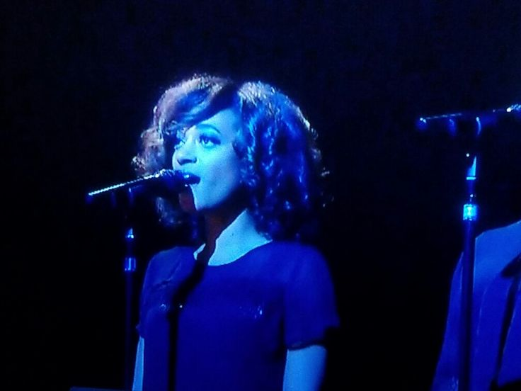 Adele's backup singer Live in London (Amanda Brown from the voice?)