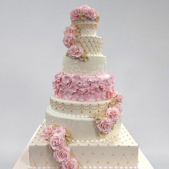 "Wedding Cake by Buddy Valastro""Cake Boss"""