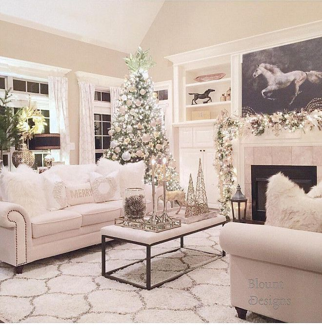 Holiday Home Design Ideas: Best 25+ Christmas Living Rooms Ideas On Pinterest