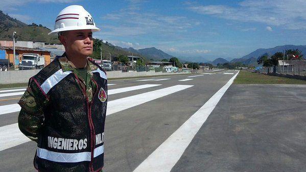 Ingenieros Militares entregan rehabilitación pista en aeródromo en Planadas, Tolima.  Noticias del Ejército Nacional de Colombia - Página 134 - América Militar Créditos: Ejercito Nacional.
