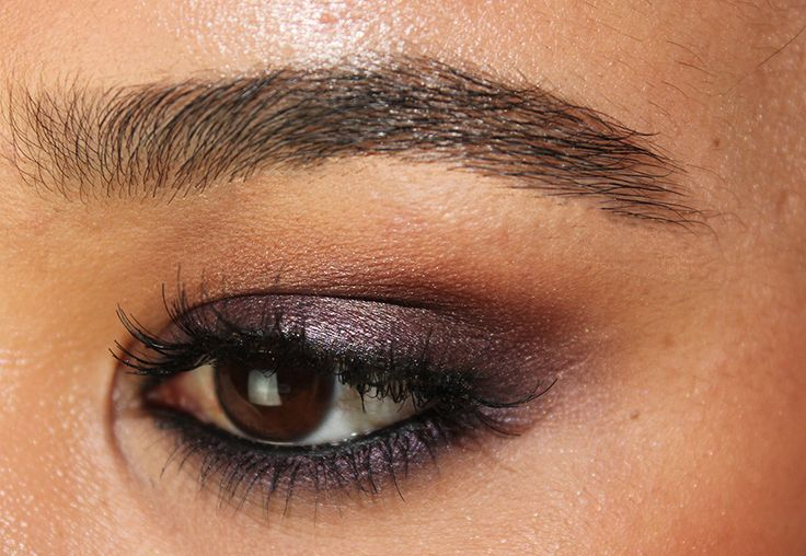 Barlust in crease Rockstar on lid and smudged under lash line 24/7 Glide on Pencil in Rockstar under lash line 24/7 Glide on Pencil on waterline in Perversion Evidence, lightly pressed on top of Rockstar Dolce Vanity : Urban Decay Smoked Palette - Rockstar Look
